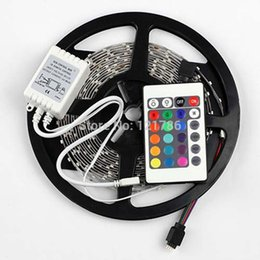 2021 bandes lumineuses led 12v dc NOUVEAU non étanche 5M 2835 LED Light Strip 60LED DC 12V 10W RGB Strip Light pour Holiday + 24 + contrôleur Key Control Box