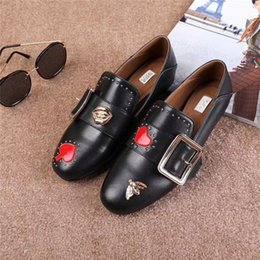 Wholesale Womens Shoes Leather Pumps - Hot Sale 2017 Womens Fashion Casual Shoes Brand Luxurious Pumps Black White Red Love for Business Affairs Agrafe Butterfly Decoration