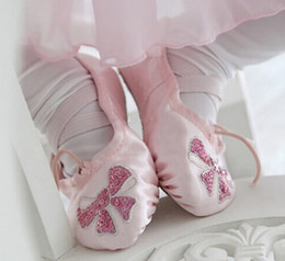 Wholesale Girls Dancing Ballet Shoes - Girls sequins Bows embroidery ballet dance shoes fashion children Mesh soft dance practice shoes comfortable breathable Paws shoes R0937