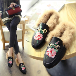 Wholesale European Fashion Heels - 2017 Women Luxury Brand winter real fur Slippers Hot Sale European Fashion Slides Genuine Leather Casual Mules Shoes High Quality