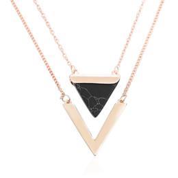 Gold anhänger halskette indien online-Frauen Gold Farbe Punk Halsketten Aus Indien Heiße Geometrische Dreieck Faux Marmor Stein Anhänger Halskette Vintage Schmuck Weihnachtsgeschenk