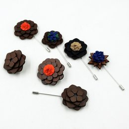 Wholesale Round Wood Plate - 2016 New Unique handcrafted wooden Brooch breastpin with fashion flower pattern Europe and America styles, 6 styles natural wood corsage pin