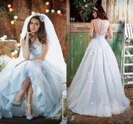 Vestido de noiva applique gelo on-line-2017 New Ice-Blue Sheer Crew Neck A-Line Vestidos de casamento Vintage Delicate Tulle Vestidos de noiva Applique Long Sleeveless Wedding Dresses