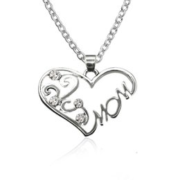 Wholesale Letter Initials Word Pendant - Chain Necklace Wholesale Mother's Day Gift Heart Pendant Necklace Mom Word Necklace Romantic Birthday Cheap Women Jewelry Pendants Necklaces