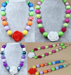 Wholesale Red Children Necklaces - 2016 New Fashion White Red Rose Flowers Children Necklace Pendant Acrylic Beaded Chunky Bubblegum Neckalces Girls Kids Gift jewelry