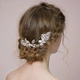 Wholesale Freshwater Shells - beijia Generous Freshwater Pearls Bridal Shell Flower Hair Comb Clip Handamde Jewelry Gold Wedding Headpiece Accessories