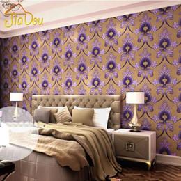 Lila Tapeten Für Schlafzimmer Rabatt Europäische Damaskus 3D  Stereoskopische Vliestapete Geprägte Lila Schlafzimmer Wohnzimmer 3D TV