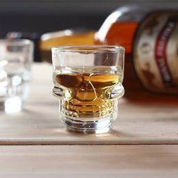 Argentina Envío gratis 50 ML 2 oz Material de cristal de cristal Skull Glass Cup Shot Glass drinkingware para Whisky Brandy Halloween uso Suministro