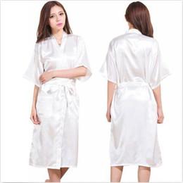 bonecas sexo feminino pornô Desconto 2016 nova M Senhora De Seda De Cetim Pijama Lingerie Sleepwear Kimono Vestido De Camisola Longo Robe sexy verão longo roupão de banho