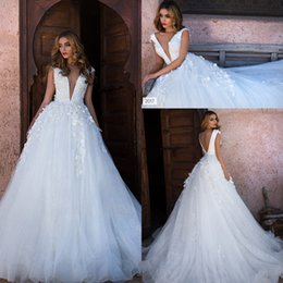 Wholesale glamorous deep v neck dress - 2017 New Full Lace Wedding Dresses Deep V Neck Backless Sweep Train Glamorous Bridal Gowns Top Quality Customized Wedding Gowns
