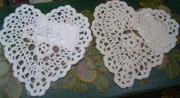 Wholesale Doily Hearts - Wholesale- Free shipping wholesale 100% cotton hand made Shaped Heart Crochet Doily 14CM ,cup mat 20PCS LOT Whtie and Ecru