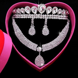 Wholesale Tiara Heart Necklace - Free shipping Crystal Crown Wedding Tiaras Crystal Earbob Crystal Necklace Three pieces together sales Exquisite packaging Bride jewelry