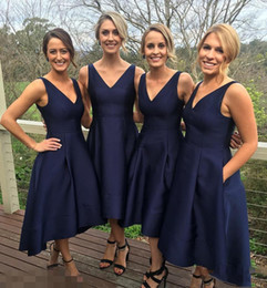 Wholesale Dress Tea Length Pockets - 2017 Garden Short High Low Bridesmaid Dresses With Pockets Navy Blue Cheap V-Neck Pleats Maid Of Honor Gowns Formal Junior Bridesmaids Dress