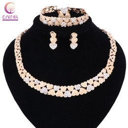 necklaces design dubai Coupons - Women Bridal Gift Nigerian Wedding African Beads Jewelry Set Fashion Dubai Gold Crystal Heart-shaped Jewelry Set Costume Design