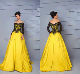 Wholesale Over Shoulder Long Dress - Cheap Dresses Evening Wear Off Shoulder Long Sleeves Black Lace Over Yellow Lining Formal Celebrities Prom Cocktail Party Dress