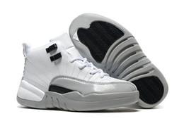 Nuevas suelas de baloncesto online-Nueva llegada de los niños zapatos de baloncesto de alta amortiguación superior única niños zapatos deportivos al aire libre antideslizante popular zapatilla de deporte Eu28-35 envío gratis