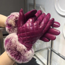 Wholesale High Fashion Leather Gloves - Wholesale Ladies' Gloves Winter high quality Sheepskin Gloves Can Touch Screen European Style Brand Designer mittens