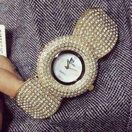 Wholesale ladies vintage gold watches - elegant women rhinestone watch fashion steel ladies watch vintage women dresswatch quartz brand luxury ceramic diamond watch