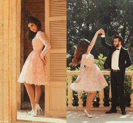 Romantico partito sexy di colore rosa a maniche lunghe Abiti 2020 V-Collo di pizzo delicato con perline Fiore ginocchio un abito da sera Linea da