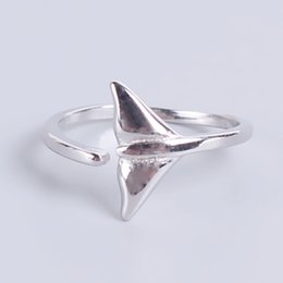 Wholesale whale accessories - Cute Animal Whale Tail Ring Accessories for Women Finger Ring Knuckle Wedding Band Vintage Mermaid Rings Jewelry