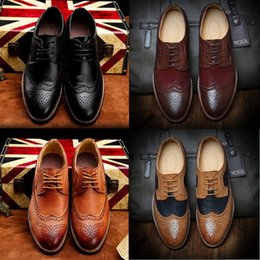Wholesale Engraved Locks - Italy fashion England style quality vintage leather engraving mixed colors hand lock stitch lace leather Oxford shoes, men'sr business shoes