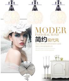 Wholesale Spherical Led Lights - Simple modern glass chandelier lamp restaurant. Three dining room lights, white spherical chandeliers. Art restaurant lights.