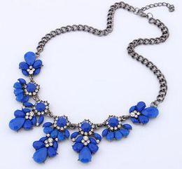 Wholesale Sapphire Tennis Necklace - Flash diamond flower short necklace Korean small fresh Teardrop-shaped Yellow Black White Sapphire blue Green Chain length 45 cm 4 cm Fash