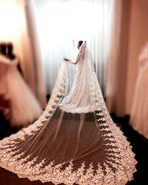 Wholesale Bridal Appliques Trims - New Arrival Chapel Bridal Veil Lace Trim Edge Appliques 350 cm One Tier With Comb Long Wedding Veils For Brides Custom Made