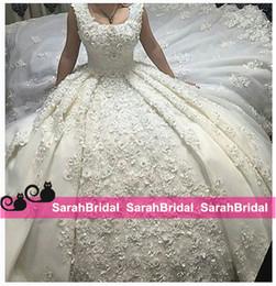 Wholesale Castle Princess Bride - Romantic Ball Bridal Gowns Wedding Dresses 2016 Princess Appliques Lace Bridal Gown Chapel Train Fashionale Dubai Bride Wear Custom Made