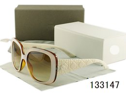 Wholesale Fashion World Men - World famous brand Sunglasses Women Polaroid Goggles UV400 Fashion Sun Glasses Female Shades Eyewear Black brown red