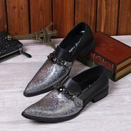 zapatos de boda personalizados Rebajas Colores mezclados personalizados Zapatos de cuero de ocio de los hombres Diseñador de moda Punta redonda Deslizamiento en los zapatos del barco para los zapatos de la boda del partido del hombre