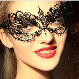 Wholesale Laser Costumes - Party Masks Fashion Cosplay Luxury Fashion Venetian Metal Laser Cut Halloween Ball Mask Party Mask Gold Black White Silver Costume Mask