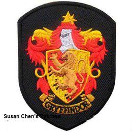 2019 remendo do harry potter do ferro Ferro de Harry Potter Gryffindor em patches de bordado Shield Shape desconto remendo do harry potter do ferro