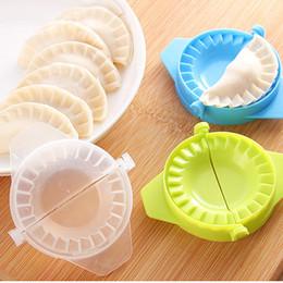 Formpressmaschine online-Großhandels-1PCS DIY Ravioli Wonton Form Maschine Teig Presse Pie Gerät Küche Kochen Gebäck Tooling Knödel Dessert Maker Mould Tools