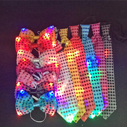 Wholesale Light Up Bow Tie - Female Male Sequins LED Neck tie Light Up Bow Tie Blinking Ties Birthday event Party Supplies Wedding Favors dancing stage