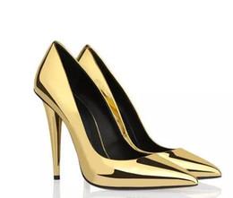 Argentina 2017 Nuevas Mujeres Tacones Altos Zapatos Sexy Mujeres Bombas Del Banquete de Boda Tacón de Punta Puntiaguda Scarpe Donna Rojo Negro Oro Zapatos de Las Mujeres cheap red gold spiked heels Suministro