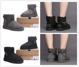 Wholesale Head Snow - 2017 New round head boots Beading winter high helper warm boots waterproof each woman's choice High Quality Classic WGG Size 35-40