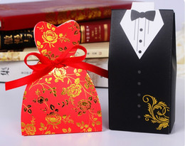 Wholesale Gift Paper Box Doll - Red color Bride and Groom Candy Boxes wedding favors boxes chocolate gift boxes with ribbon for baby shower Wedding Party Table Decoration