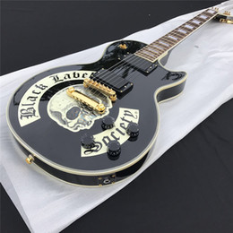 Wholesale Electric Guitar Black White - The wholesale famous brand electric guitar with gold spare parts and black color with good quality for sales
