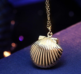 Wholesale Jewelry Boxes Singapore - 2018 Floating Locket necklace 18 k gold Phase box Can be put photo Sweater chain Necklace women Jewelry + Free shipping 362
