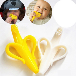 Wholesale Free Baby Pacifiers - Banana Teether Baby Soothers Natural Rubber Pacifier Squeaker Toy infant Banana toothbrush C2376
