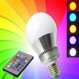 Canada E27 LED Ampoule Globe Coloré Super Lumineux RGB Changement de Couleur Intérieure LED Ampoule Large Angle Dimmable avec Télécommande IR Offre
