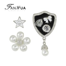 Wholesale Black Rhinestone Flower Brooch - Wholesale- FANHUA 3pcs set Luxury Style White Black Enamel with Rhinestone and Simulated Pearl Flower Star Bowknot Medal Brooch Jewelry