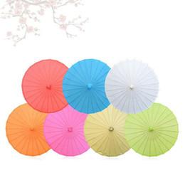 parapluies d'artisanat d'art Promotion Enfants Taille Petit Art Chinois Artisanat Parapluie Blanc Papier Longue Poignée De Mariage Parasol 23.6 pouces 60cm ZA4697