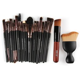 Wholesale Complete Professional - Maange Complete Professional Makeup Kit Full Set Make Up Brushes With Powder Puff Foundation Eyeshadow Cosmetic Brushes #225927