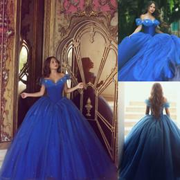 cinderella vestido de baile de formatura Desconto Venda quente Cinderella Vestidos Royal Blue Quinceanera Prom Vestidos Elegantes Fora do Ombro Doce 16 Tule Puffy Vestidos de Baile Vestidos de Casamentos