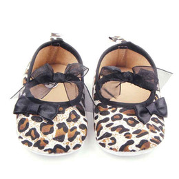 Wholesale Girls Leopard Dress Pink - 2016 New Baby Girl Shoes Attractive Leopard Design Upper with 2 Bowknot Elastic Band Anti-slip Soft Sole Dress Shoes for Girl