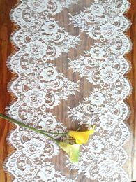 decoraciones del partido azul real negro Rebajas 42 * 300 cm Jacquard de encaje de la boda de la silla Fajas Cubre los corredores de mesa manteles Home Garden Kitchen Decor Party Evento decoración Floral