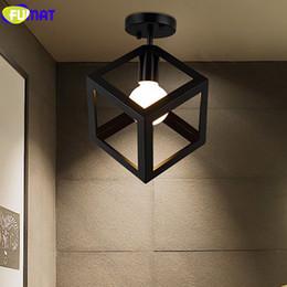 Luminarias de techo industriales online-FUMAT Triángulo cuadrado Luz de techo LED Hierro Iluminación industrial Pasillo Pasillo Balcón Lámpara de techo