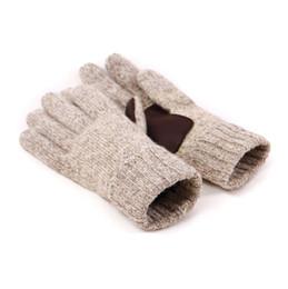Gants tricotés gris en Ligne-Gants pour hommes en tricot à cinq doigts 2 Gants d'hiver pour femme en couleur gris beige 60% Laine et moufles antidérapantes en cuir véritable